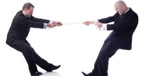 cabo-de-guerra-cabo-de-forca-disputa-entre-executivos-rivalidade-entre-empresas